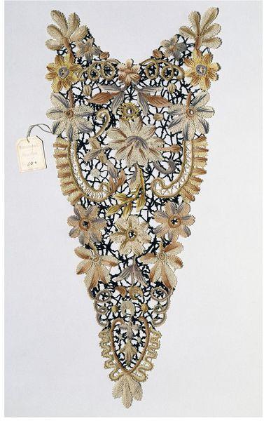Polichrome silk bobbin lace, 1890s, Pellestrina. Collection: V&A, London