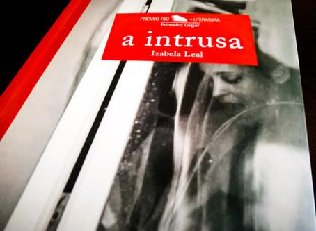 """""""A Intrusa"""" e a tragicidade do """"eu"""" no transcurso literário"""