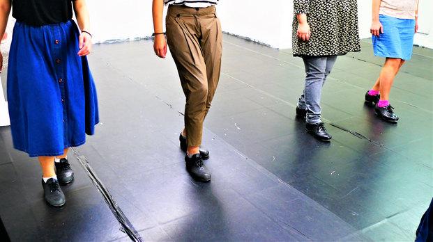 便宜黑色踢踏舞鞋