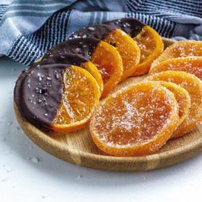 Karamelizuotos apelsinų riekelės