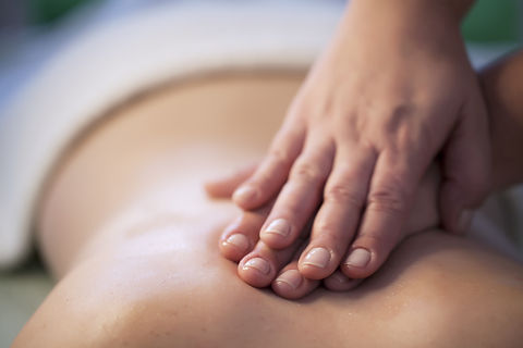 massage relaxant dos nuque cervicales