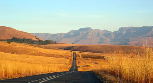 road-to-somewhere-1410147_edited.jpg