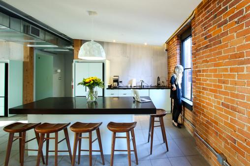 BrainStation Kitchen Modern 5.jpg