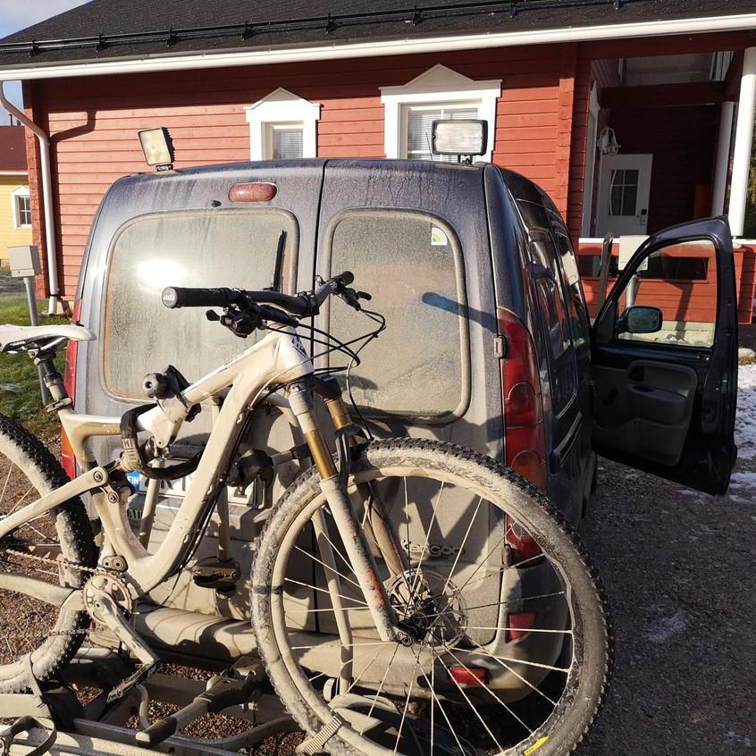 Pivot Mountain Bike in War Paint