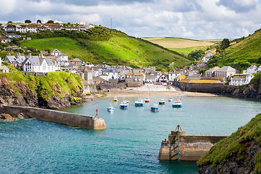 Port-Issac-Harbour-Cornwall.jpg