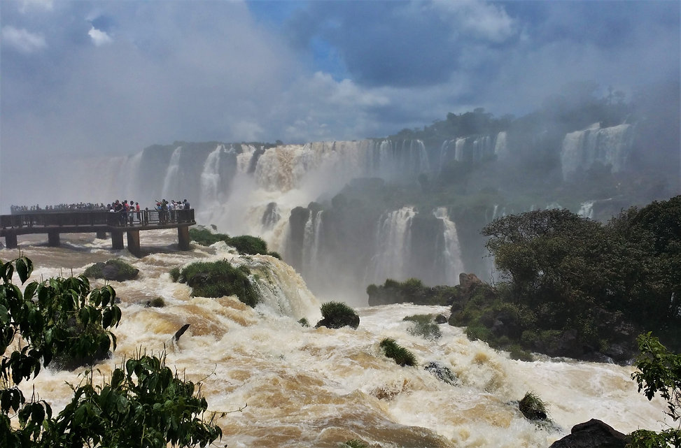 Tourists can get extremely close to the waterfalls, and with absolutely chaotic waters rushing all around you, you can be forgiven if you feel like the floods of Genesis is upon you. Iguazú is one of the greatest spectacles on the planet, and these can give you two distinct feelings depending whether you see it from the Brazilian or the Argentinian side. The first gives you better panoramic views of the waterfalls, while the second takes you right up to it.