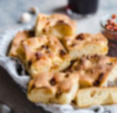 Roasted-garlic-sun-dried-tomato-focaccia