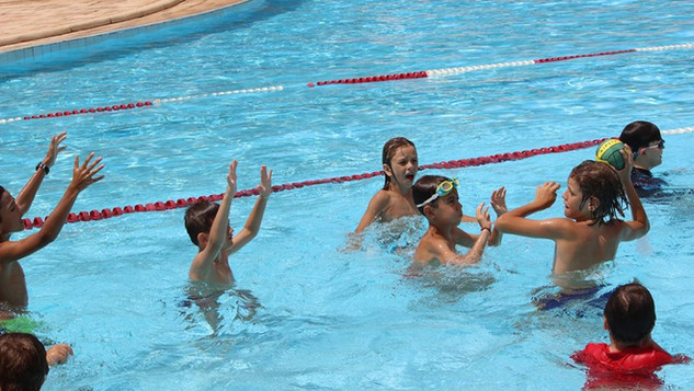 Jogos e Brincadeiras Aquáticos