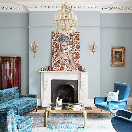 Sunday design inspo via this drawing room from artist _evaodonovanartist home, featuring o