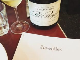 Pub crawl Paris style - Juveniles Wine Bar & Willis Wine Bar