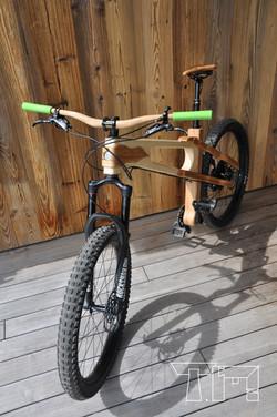 Wooden bike - vélo en bois