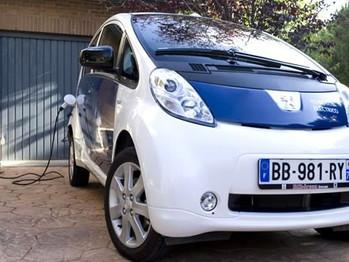 Fomento asigna 2,5 millones de euros al impulso del vehículo eléctrico y su infraestructura