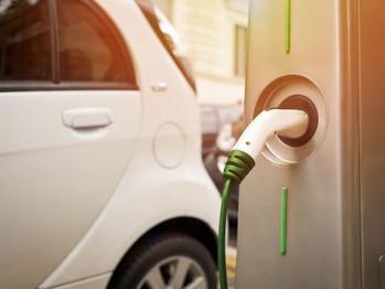 La Comunidad probará el coche eléctrico Nissan Leaf dentro de la renovación de su flota de vehículos