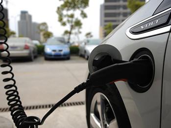 China ocupa primer lugar en venta de automóviles eléctricos