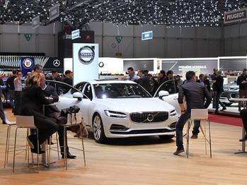Volvo acelera el cambio: quiere vender un millón de vehículos electrificados para 2025