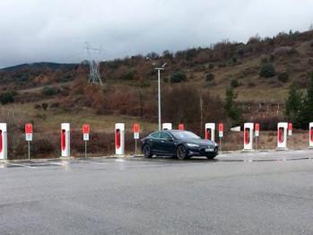Tesla llega con sus supercargadores al noroeste de España