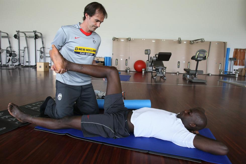 Stretching Momo Sissoko