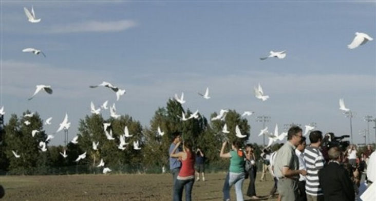 Columbine memorial dedication doves released