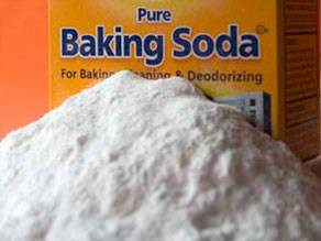 Cleaning an oven with Baking Soda