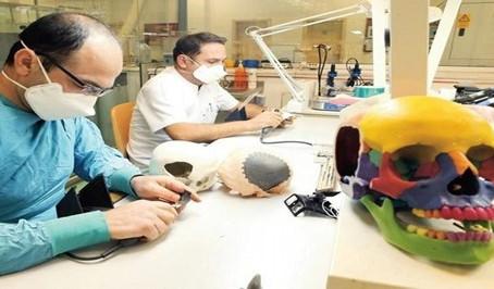 Gülhane Medikal Tasarım ve Üretim Merkezinde Kişiye Özel İmplant Üretiliyor