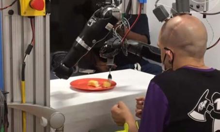 Düşünce Yoluyla Hareket Edebilen Robotik Kol