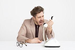 man kwaad telefoon.jpg