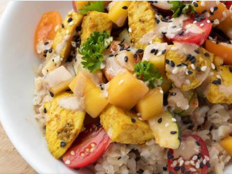 Kip met courgette, mango en tahindressing