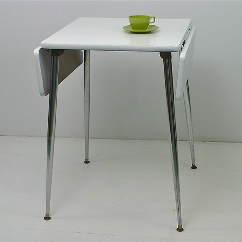 retro kitchenette table (sold)