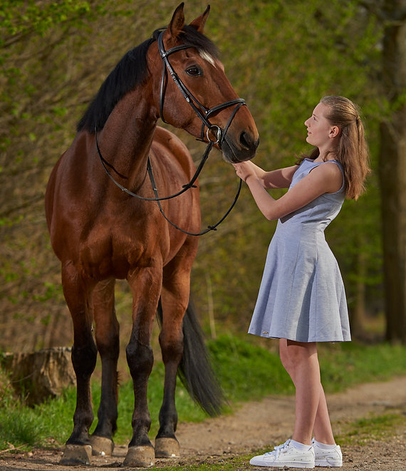 Girl and horse, equestrian lifestyle photography Kurt Pas