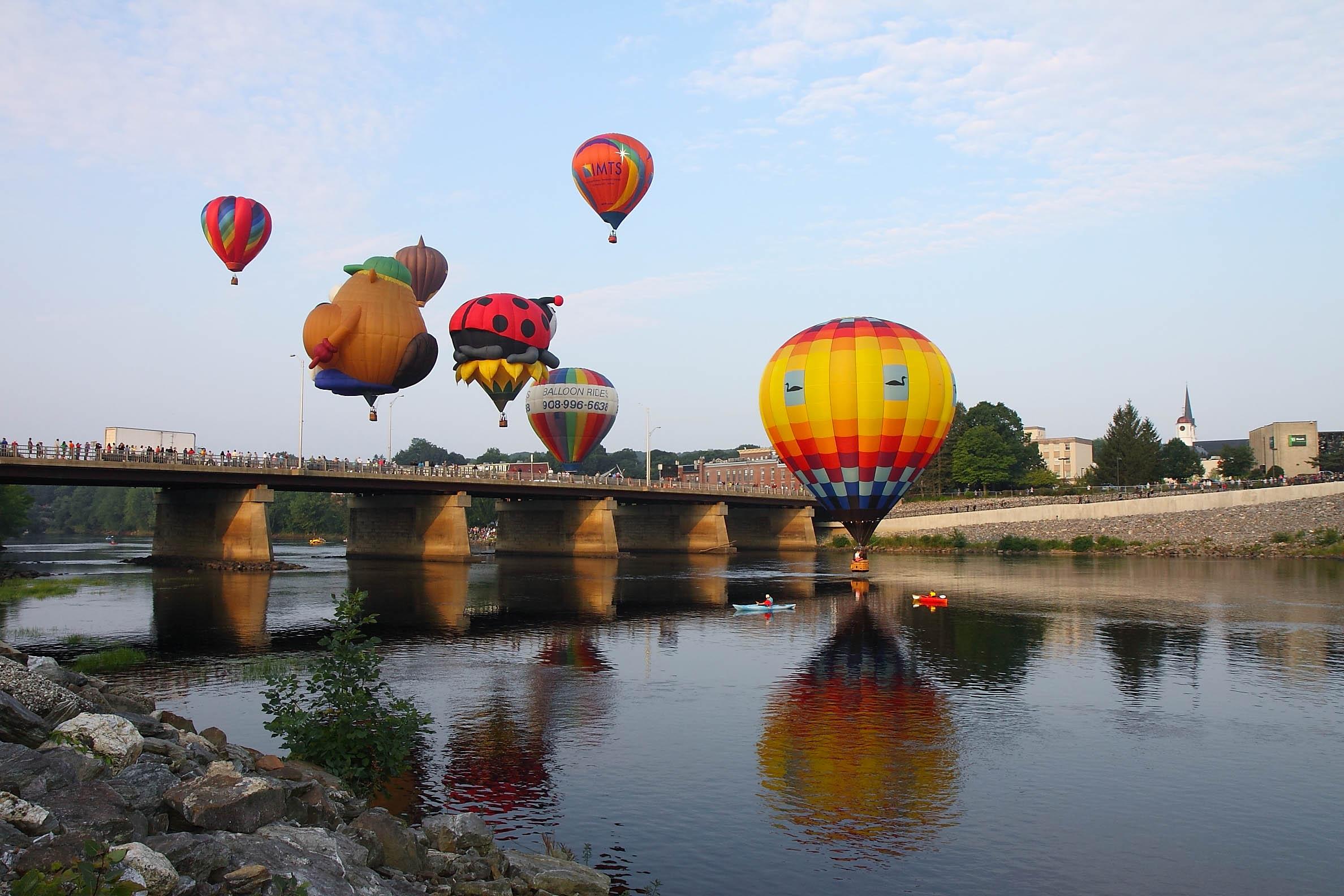 2011 Balloon Festival Sat 2002.jpg