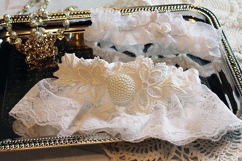 Delicate Pearl Garter set