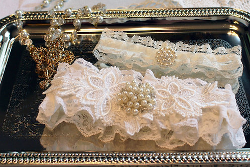 Pearls & Lace Garter set