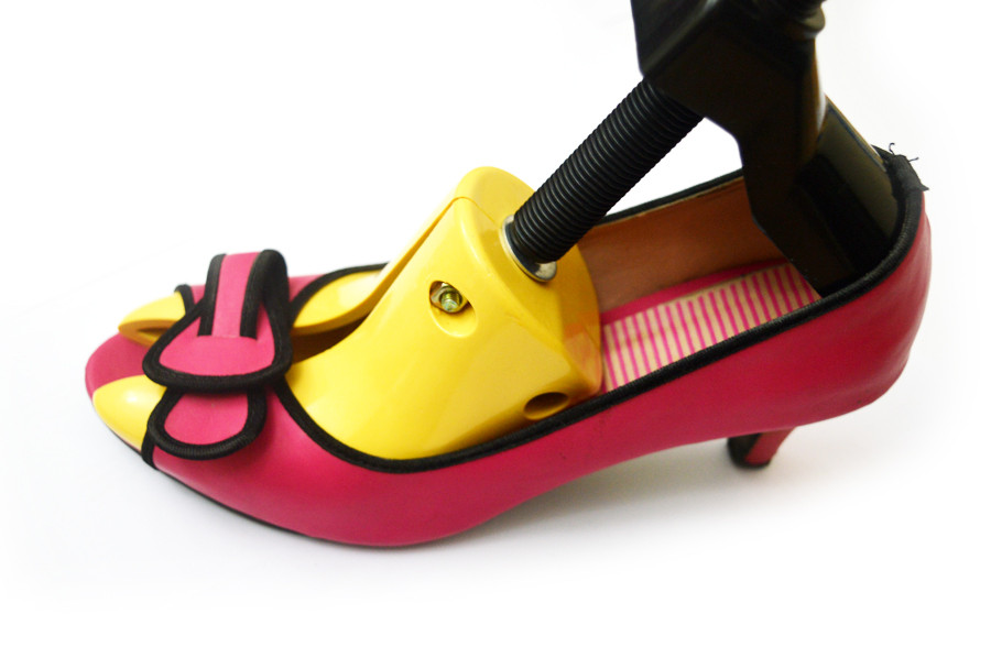 Shoe-Stercther-high-heels-UAE.JPG