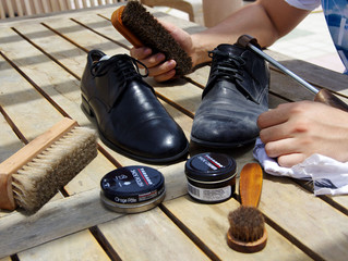 How to polish and shine your leather shoes