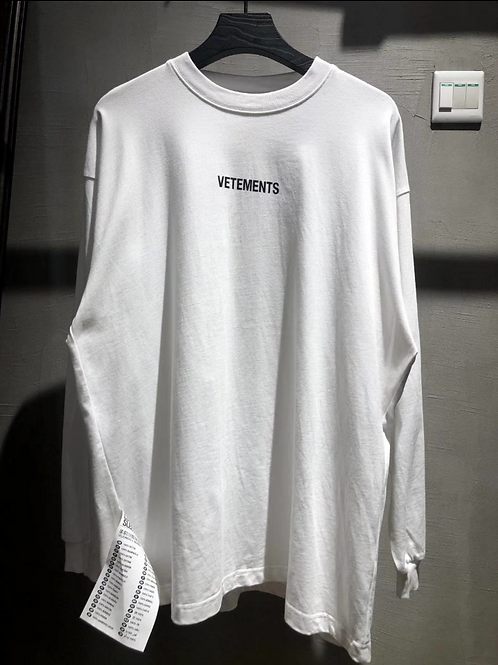 VETEMENTS SWEATER