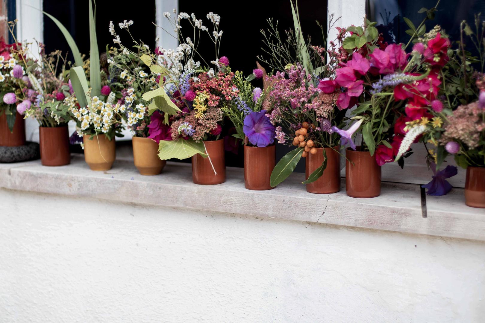 tessymorelli_Frolic_flowers_Halfmoon_ret