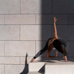 tessymorelli_194_025_Beatriz_yoga.jpg