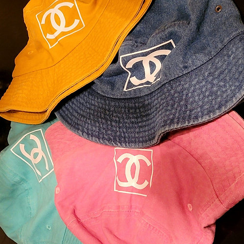 COLORED CC BUCKET HAT
