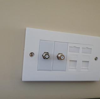 TV AND NETWORK POINT INSTALLATION  FINISHED WITH FITTED WALL PLATES FROM € 75 VAT INC