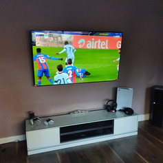 Oled tv installation for the gaming and sport enthusiast