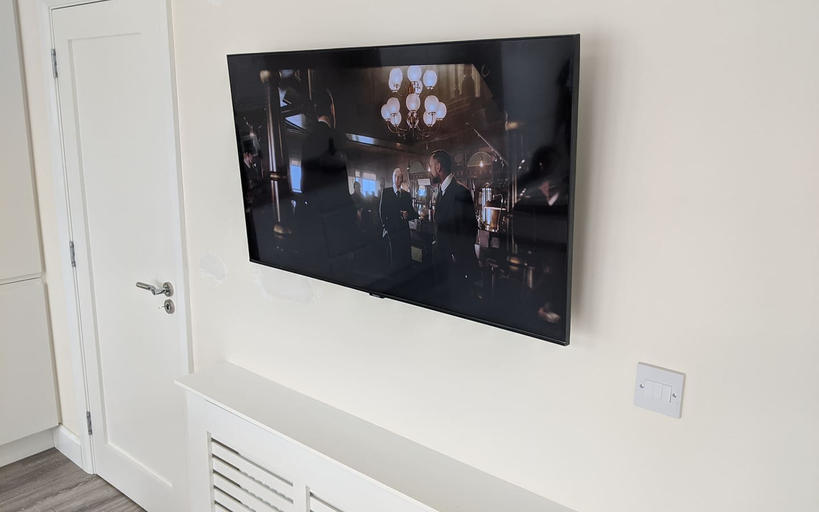 Tv mounted on the wall in Archerstown Ashbourne
