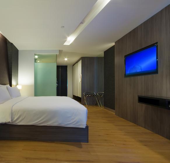 luxury%20modern%20hotel%20room%2C%20Bang