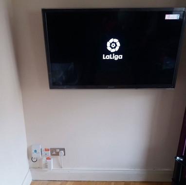 An extendable tv wall bracket installation Ashbourne County Meath
