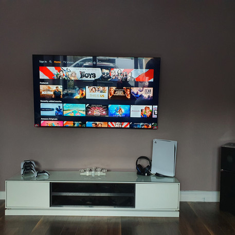 Tv installation and cable management .