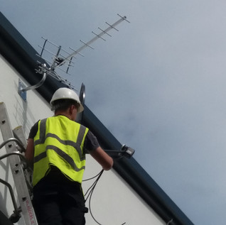 SKY AND SKY Q  SATELLITE DISH SAORVIEW AERIAL SERVICE CALL FROM €60 VAT INC