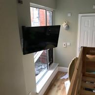 Tv mounted on the swivel wall bracket in Air b&b in Dublin 1