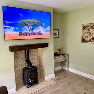 TV WALL MOUNTING AND CABLE MANAGEMENT