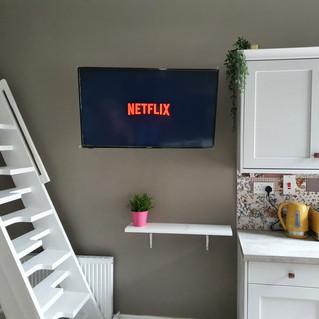 TV INSTALLATION IN HOTEL PUB SHOP CANTEEN AIRBNB