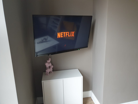 Tv installation in the Airbnb apartment in Dublin City