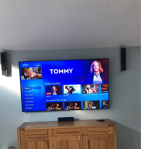 82%20Tv%20mounted%20on%20the%20wall%20fo